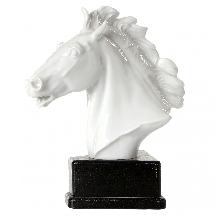 "Porcelain figure ""Head of a horse"""