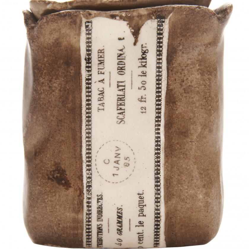 Ceramic container for tobacco