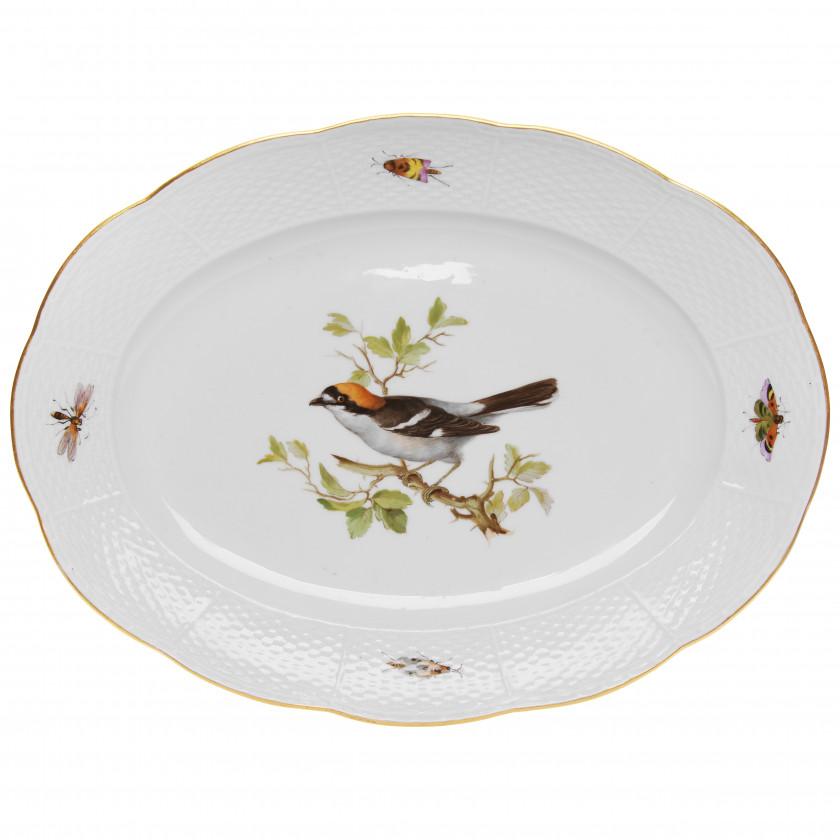 Porcelain serving-dish