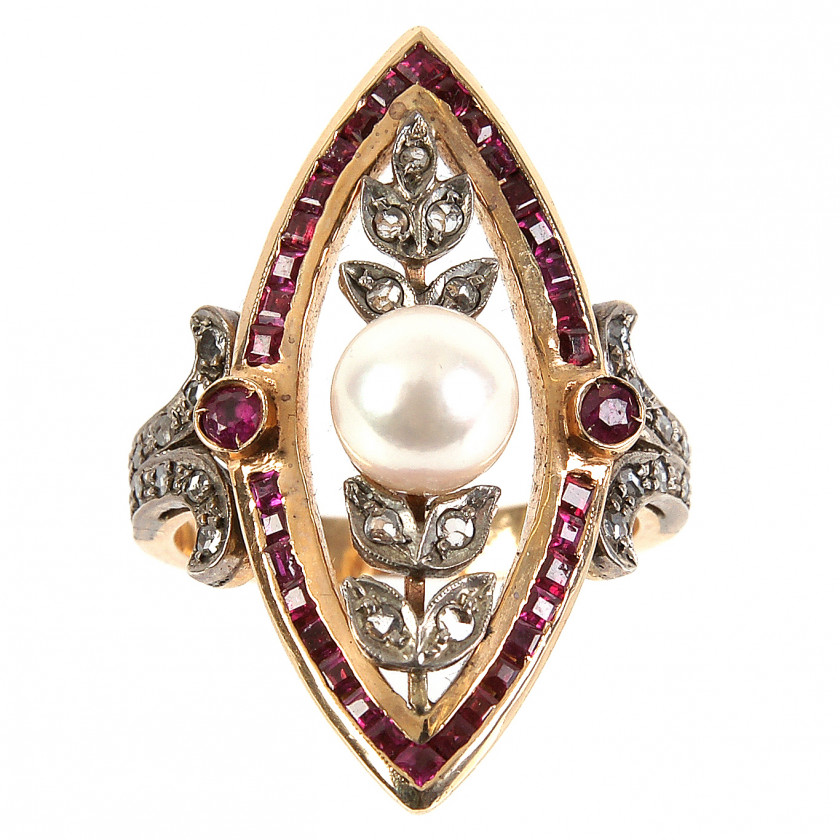 Gold ring with a pearl, rubies and diamonds