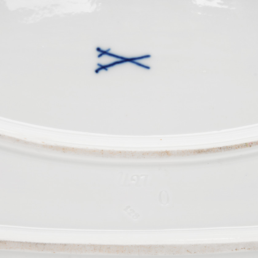 Large porcelain serving dish