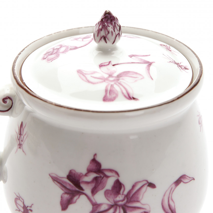 Porcelain cream cup