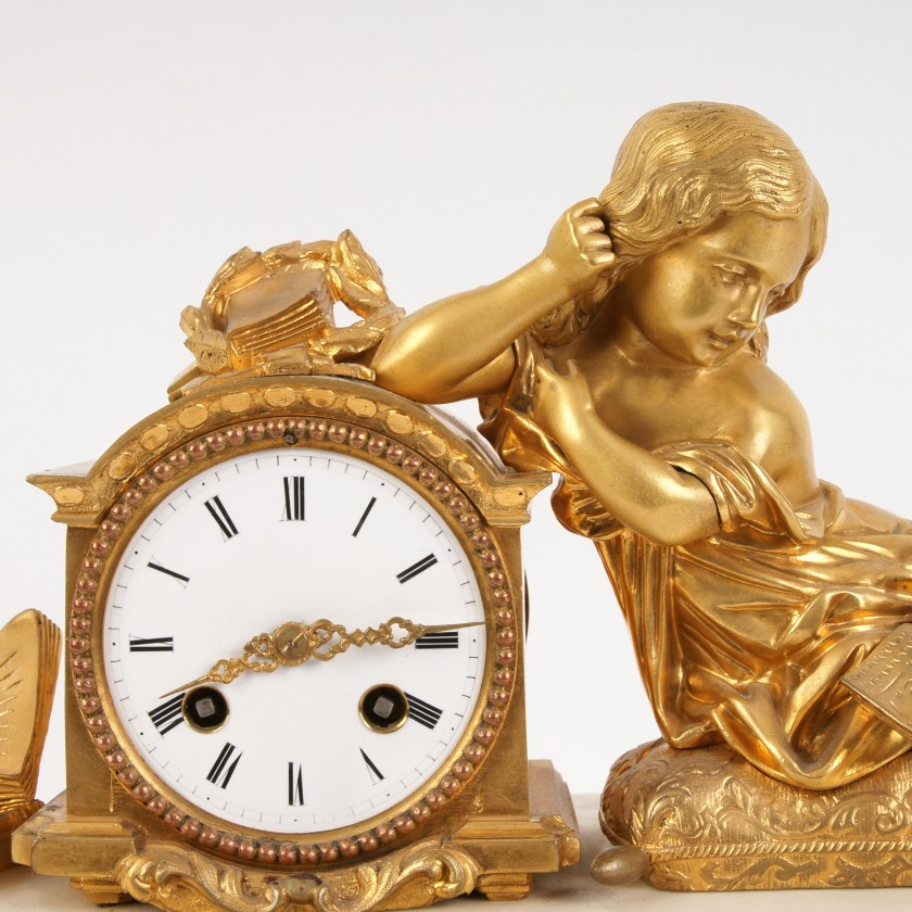 "Mantel clock ""Reading girl"""