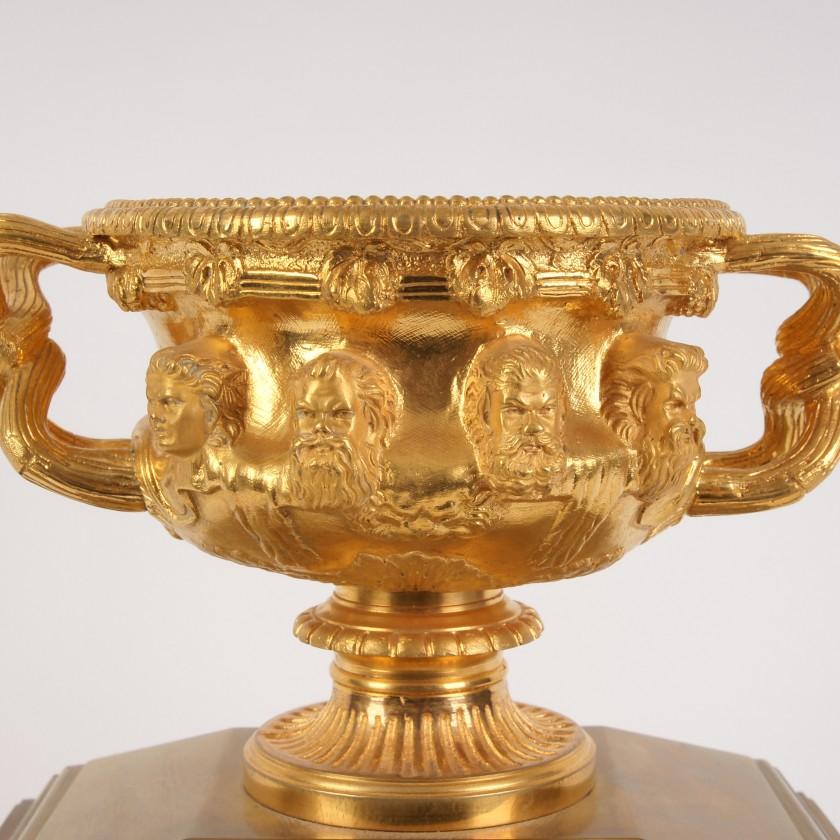 "Bronze mantel Clock ""Warwick Vase"""