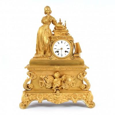 Bronzas pulkstenis ar skulptūru