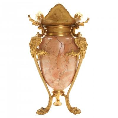 Декоративная мраморная ваза с бронзовыми элем...