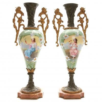 Две декоративные вазы в стиле Арт Нуво