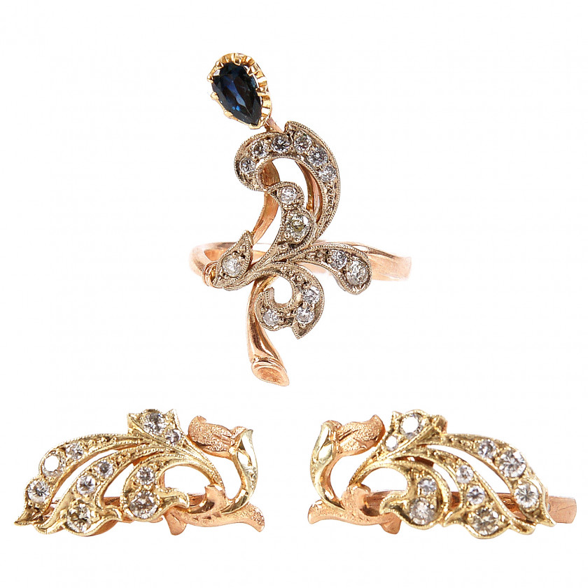 Gold ring and earrings with diamonds and sapphire