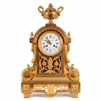 Lielais bronzas kamīna pulkstenis