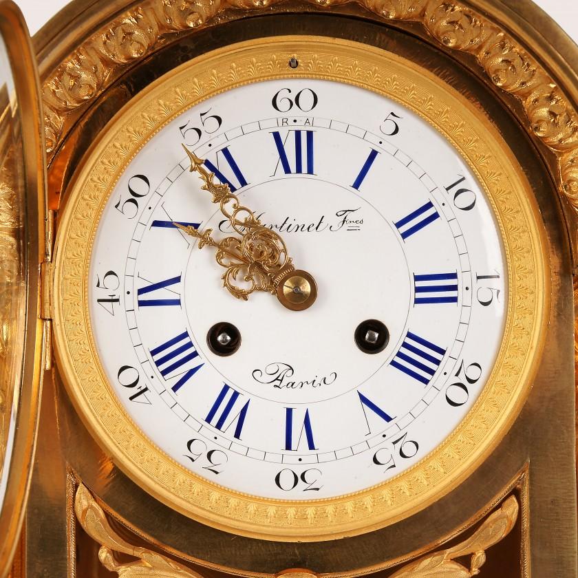 Большие бронзовые каминные часы