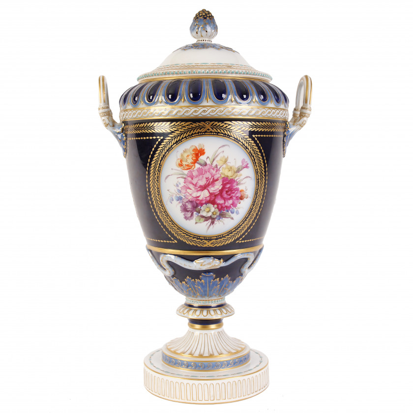 Liela porcelāna vāze