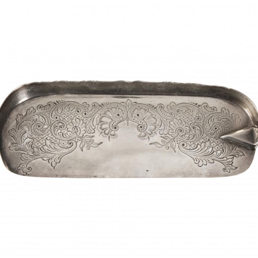 Silver crumb scoop