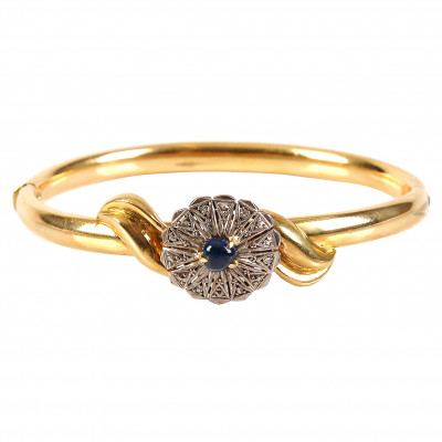 Gold bracelet with sapphire and diamonds