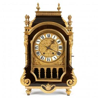 Bronzas pulkstenis no bruņurupuča čaulas ar b...