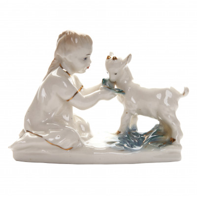 "Porcelain figure ""Girl with a kid"""