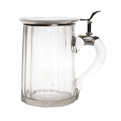 Glass beer mug with silver lid
