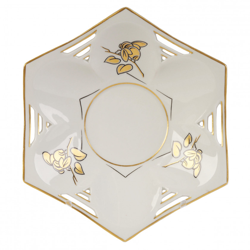 Porcelain plate with bees