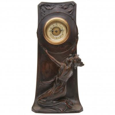 Jūgendstila misiņa pulkstenis