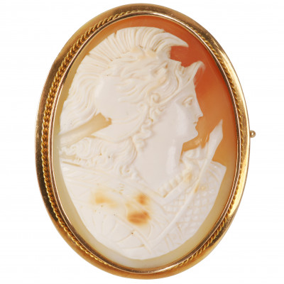 Gold brooch with cameo