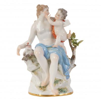 """Porcelain figure """"Venus and Cupid"""""""
