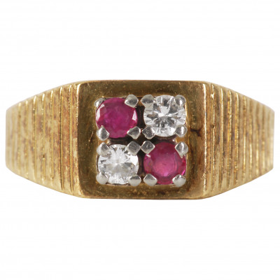 Gold ring with diamonds and rubies