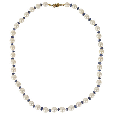 Pearl necklace with sapphires and gold clasp