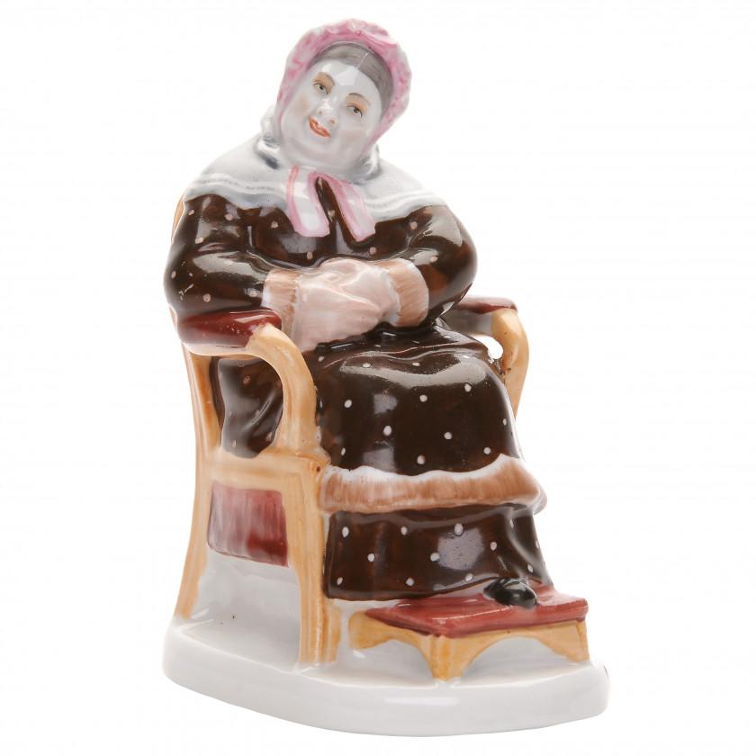 """Porcelain figure """"Korobochka"""""""