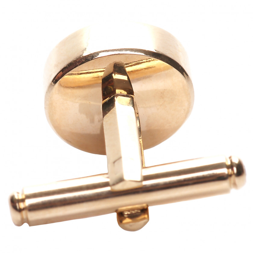 Gold cufflinks with quartz and diamonds