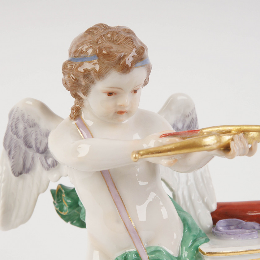 """Porcelain figure """"Je les enflamme"""""""