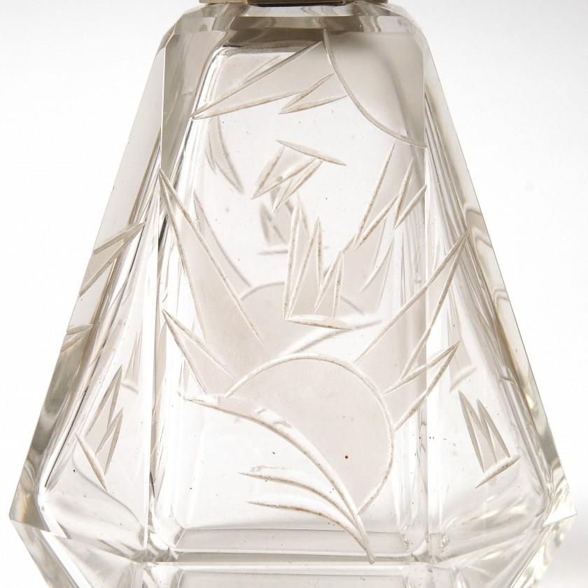 Пара парфюмерных флаконов в стиле Арт Деко