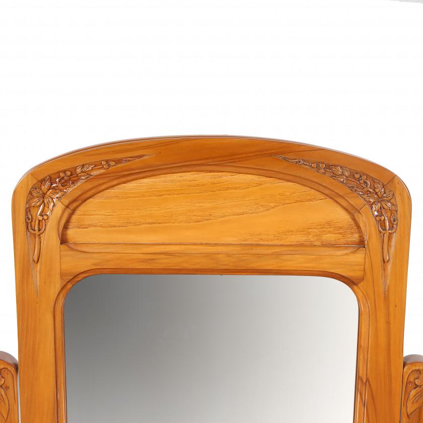 Ladies table in Art Nouveau style