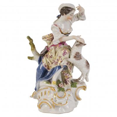 "Porcelain figure ""Shepherdess"""