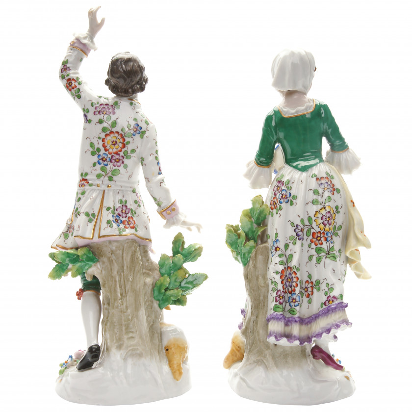 "A pair of porcelain figures ""Shepherd and shepherdess"""