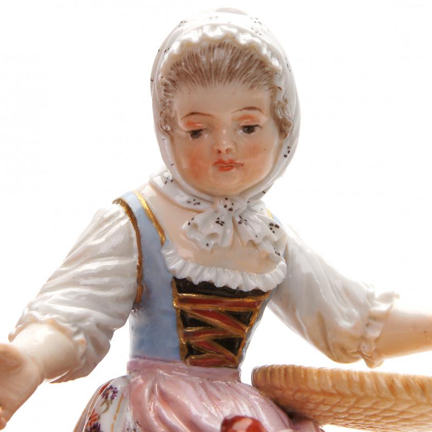 """Porcelain figure """"Girl feeding chickens"""""""
