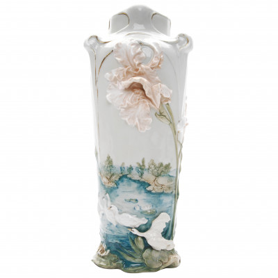 Porcelain vase in Art Nouveau style