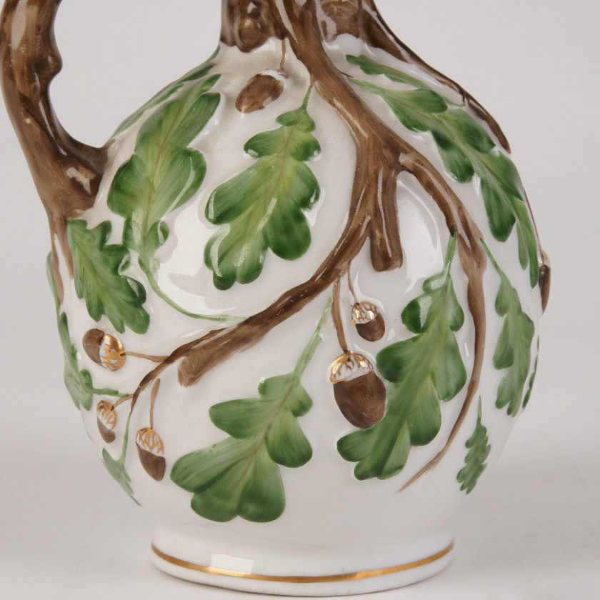 "Porcelain jug ""Oak"""