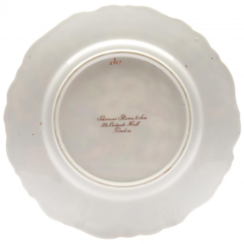 Deserta šķīvis ar ziedu kluso dabu