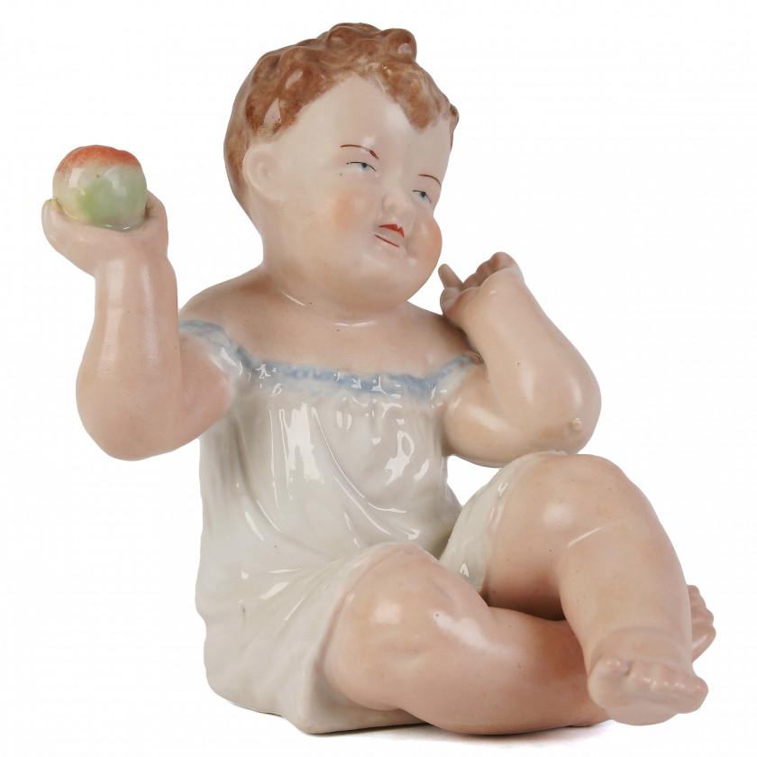 """Porcelāna figūra """"Mazulis ar ābolu"""""""