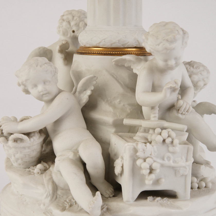 Decorative vase for fruits
