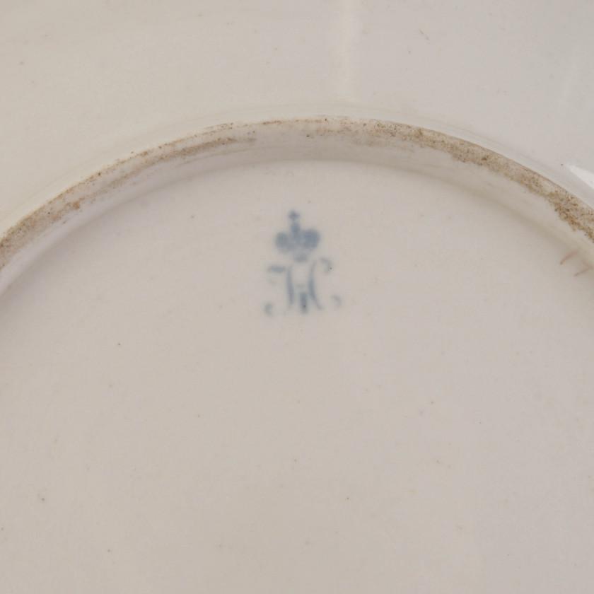 Korbijas servīza porcelāna šķīvis