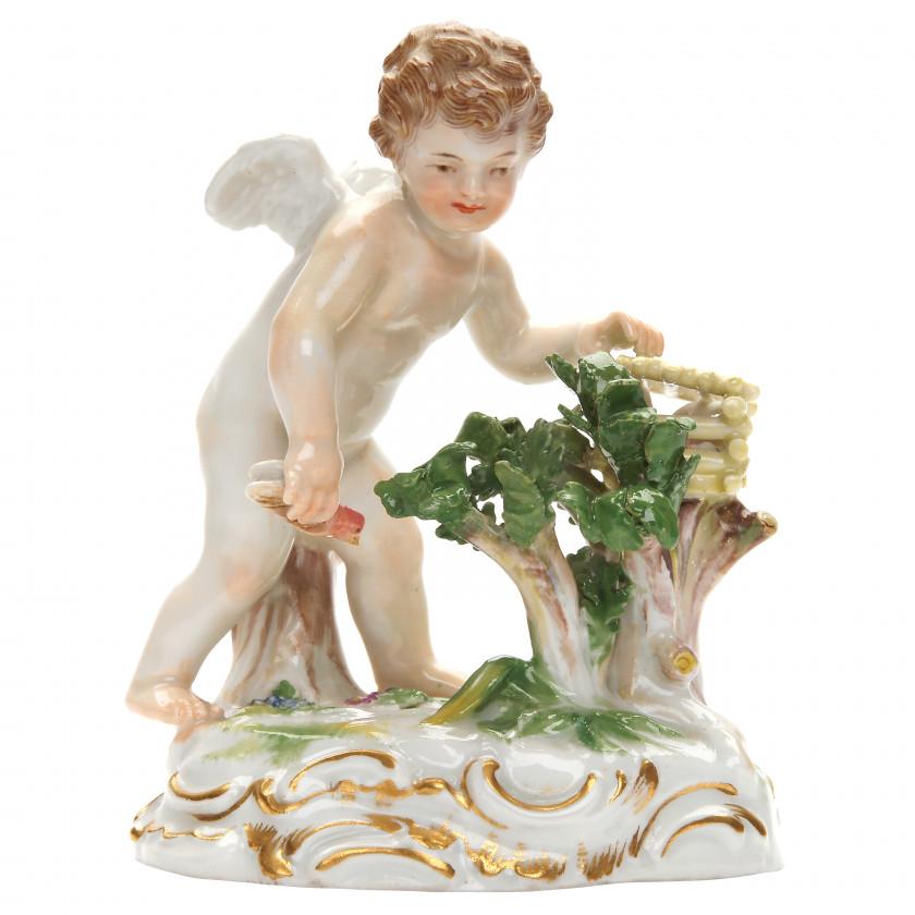 """Porcelain figure """"Amor catches hearts"""""""