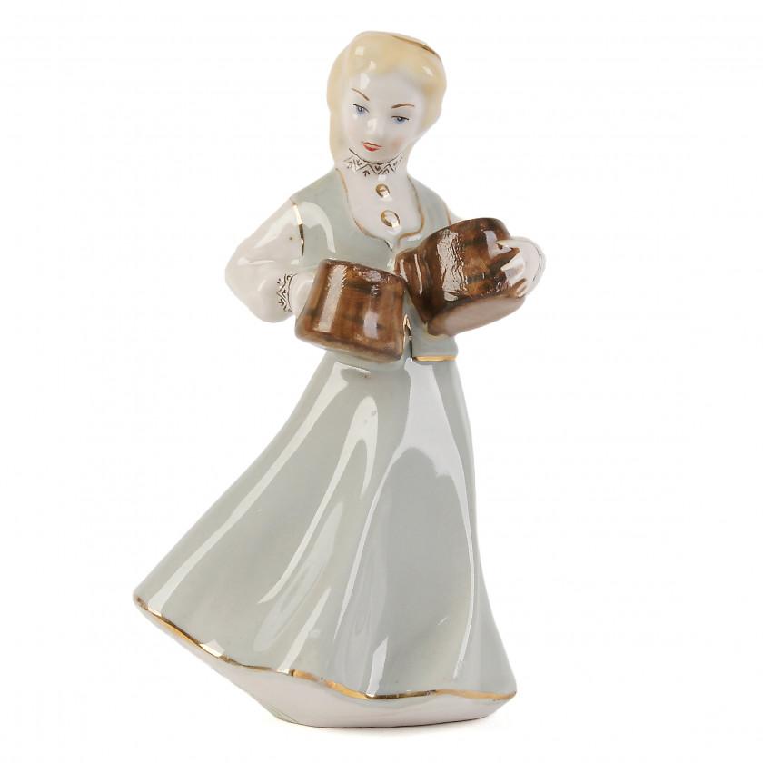 "Porcelain figure ""Girl with mugs"""