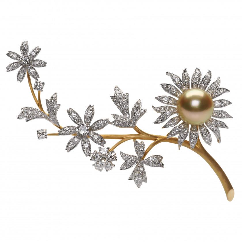 Золотая брошь с бриллиантами и жемчужиной