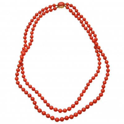 Coral beads with gold clasp