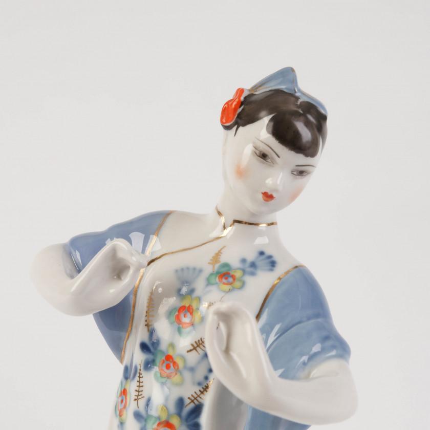 """Фарфоровая фигура """"Танцующая китаянка"""""""