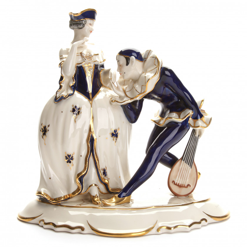 """Porcelain figure """"Lady with Pierrot"""""""