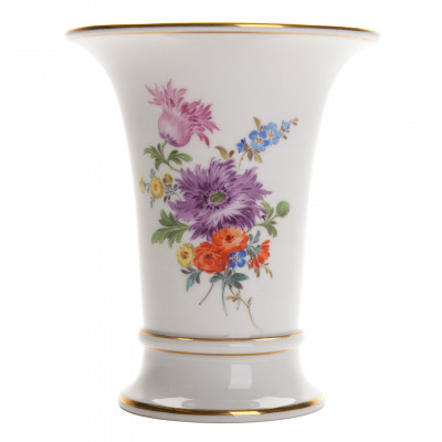 Porcelain vase for flowers