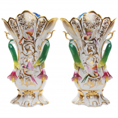 Porcelāna vāžu pāris