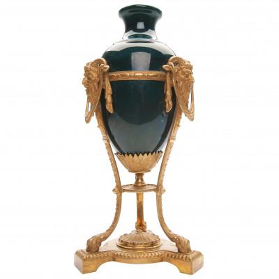 Керамическая ваза с бронзовой оправой