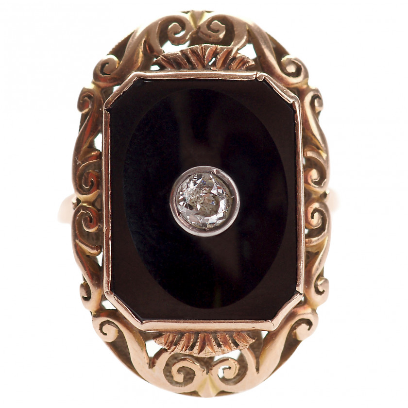 Gold ring with diamond and onyx